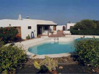 Lovely spacious 3 bed villa with pool in secluded gardens wifi playstation Puerto del Carmen - Puerto Del Carmen vacation rentals