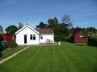 Brightside Three bedroom holiday cottage in Wroxham, Norfolk - Wroxham vacation rentals