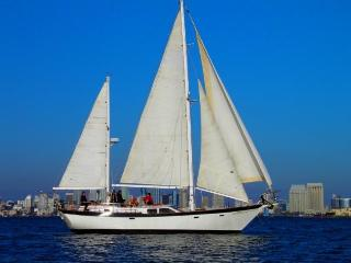"""Boat, Bed and Breakfast - """"Slipaway"""" Classic Yacht - Pacific Beach vacation rentals"""