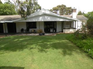Bright 5 bedroom Bed and Breakfast in Naracoorte with Internet Access - Naracoorte vacation rentals