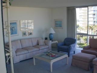 Coronado Beach Condo - Coronado vacation rentals