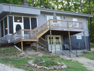 Forsyth lake house  Two lakes a stone-throw away - Branson vacation rentals