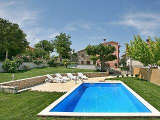 4 bedroom House with A/C in Motovun - Motovun vacation rentals