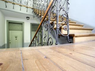 Central, Mnt.View, All Amenities! 5min. 2 Okt.fest - Munich vacation rentals