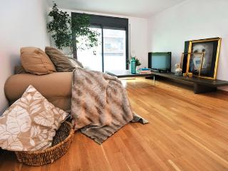 Cozy Condo with Internet Access and Balcony - Province of Girona vacation rentals