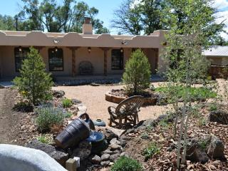 Casa Milagro luxury comfort near Plaza w/ Hot Tub - Taos vacation rentals