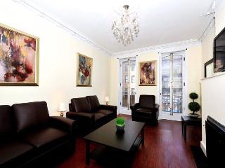Generous 5 Bedroom Townhouse - New York City vacation rentals