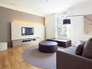 Nice Condo with Television and Microwave - Barcelona vacation rentals