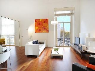 B305 PLAZA CATALUNYA LUX - Barcelona vacation rentals