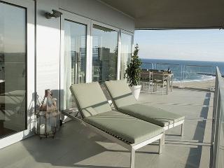 B502 SEA VIEWS POOL 5 BEDROOMS - Barcelona vacation rentals