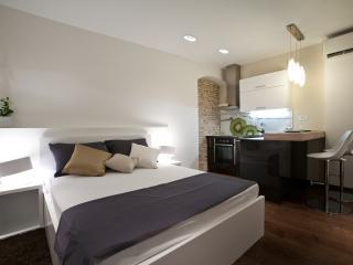 Speruna Luxury Apartment with private parking - Split-Dalmatia County vacation rentals