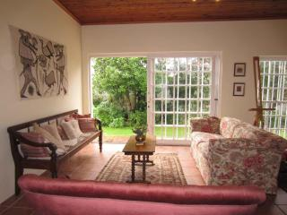 Cape Town: spacious cottage in leafy garden - Cape Town vacation rentals