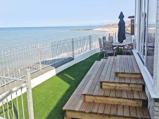 TREASURE COTTAGE, detached, woodburner, off road parking, direct access to beach, in Penrhyn Bay, near Llandudno, Ref 18992 - Llandudno vacation rentals