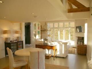 Perfect 6 bedroom House in Whitchurch - Whitchurch vacation rentals