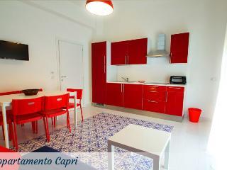 Bright 2 bedroom Condo in Sorrento - Sorrento vacation rentals