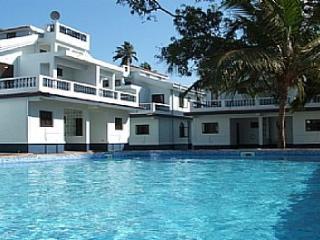 04) 2 bed Villa  Arpora Goa SLEEPS 4 & WiFi - Candolim vacation rentals