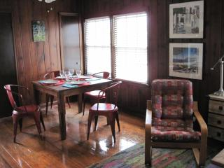 Bluebonnet Cottage in Zilker, Barton Springs area - Austin vacation rentals