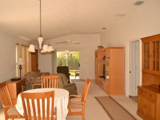 The Villages Florida 2/2 Courtyard Villa FURNISHED - The Villages vacation rentals