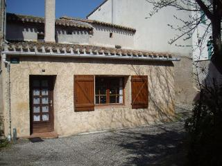 Le Bonheur - rustic village house near Carcassonne - Carcassonne vacation rentals
