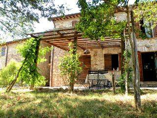 Family friendly holiday house with pool - apt2 - San Venanzo vacation rentals
