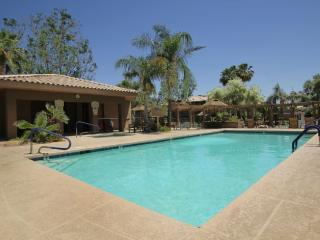 Scottsdale Kierland contemporary condo w/Wifi - Scottsdale vacation rentals
