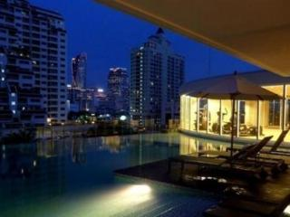 1 BR City Center walk to BTS&Airport Link+Pool+Gym - Bangkok vacation rentals
