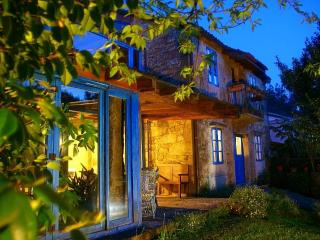 Casa  Perfeuto Maria, rural tourism (rooms rental) - Vedra vacation rentals