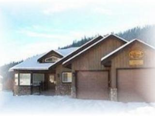 Front of the chalet - At Trails End Chalet - Sun Peaks Resort - Sun Peaks - rentals