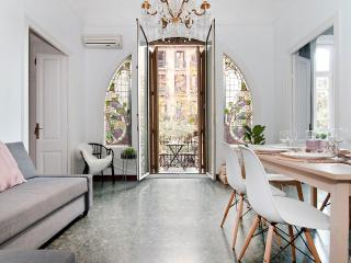 JUNE OFFER Spacious Flat Historic Building Rambla - Barcelona vacation rentals