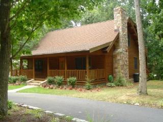 Idyllic Massanutten Log Cabin - McGaheysville vacation rentals