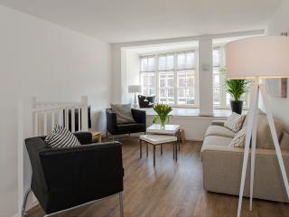 City centre apartment De Admiraal 1 (wifi) - Amsterdam vacation rentals