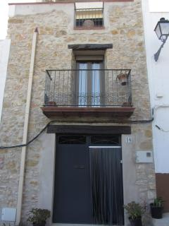 Nice House with Dishwasher and DVD Player - Cervera del Maestre vacation rentals