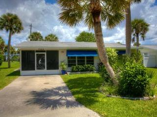 Cool Breeze Cottage...on Manasota Key... - Manasota Key vacation rentals