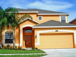 Fabulous Luxury 5 Bed, 4.5 Bath Florida Villa with Glorious 30' Heated Pool/Spa close to Disney - Davenport vacation rentals