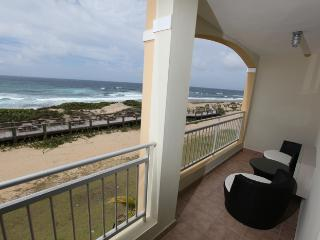 Stunning Oceanfront Penthouse, Now with 10% off! - Isabela vacation rentals