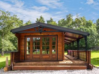 GLENCOE, family-friendly, all ground floor, children's play area in Newtonmore, Ref. 28265 - Aviemore and the Cairngorms vacation rentals
