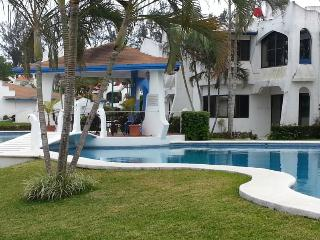 2br - 656ft² - FURNISHED house with pool (Veracruz, Mexico) - Central Mexico and Gulf Coast vacation rentals