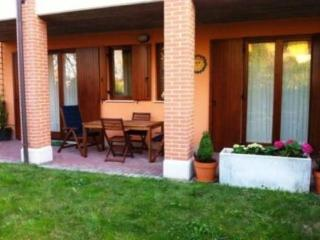 Nice apartment with private garden - Lake Garda vacation rentals