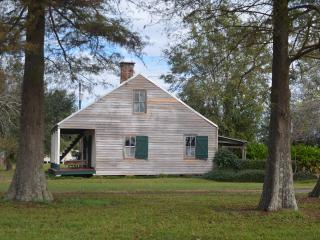Perfect Cabin with Internet Access and A/C - Napoleonville vacation rentals