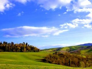 Tuscan villa with pool and majestic views sleeps 1 - Menaggio vacation rentals