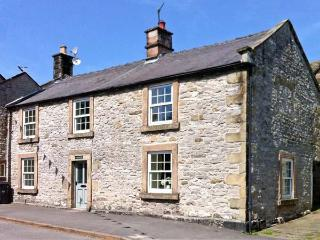 WHITE HOUSE, open fire, two woodburners, pet-friendly cottage, in Youlgreave, Ref. 22343 - Youlgreave vacation rentals