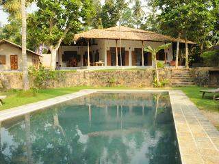 Villa Lula. Lake-side 4 bed with pool and staff. - Galle vacation rentals