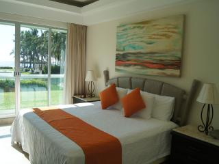 OCEAN FRONT ACAPULCO, MAYAN ISLAND, TULUM 103 - Acapulco vacation rentals
