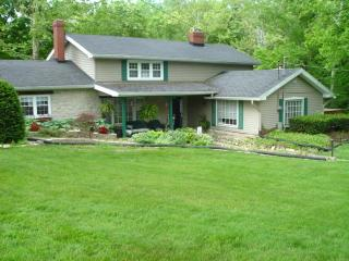 Yountsville Mill Vacation Cottage. A bit of Heaven - Crawfordsville vacation rentals