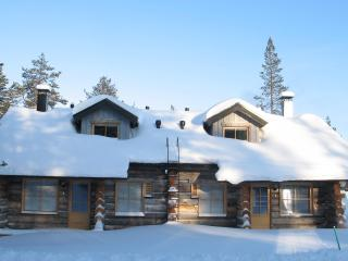NELIMAJAT B Log Bungalows Lapland - Akaslompolo vacation rentals