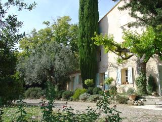 Charming Old Bergerie with a Fireplace and Balcony, in an Olive Grove - Bargemon vacation rentals