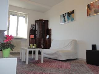 Convenient, brightness apartment in Milan center - Milan vacation rentals