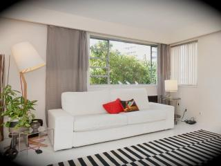 Spacious Ocean Front Condo - Gibsons vacation rentals