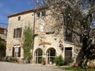 """""""La Maison de Dame Tartine"""", Gite, Chambres et table d'hôtes - Languedoc-Roussillon vacation rentals"""
