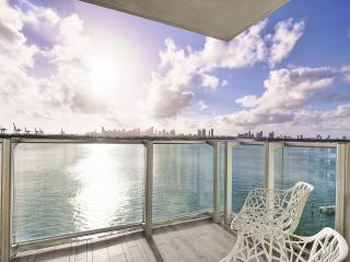 Mondrian 2br/2ba with Gorgeous Bay View - Miami Beach vacation rentals